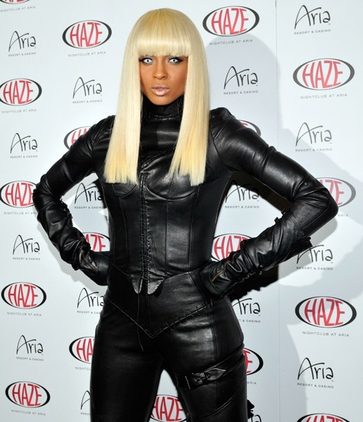 nicki minaj red carpet 2010. ciara-on-the-red-carpet