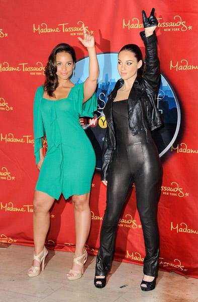 Madame Tussaud Unveils Alicia Keys Wax Figure A M Caffeine