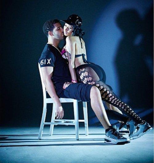 Nicki-Minaj-Drake-lapdance-1